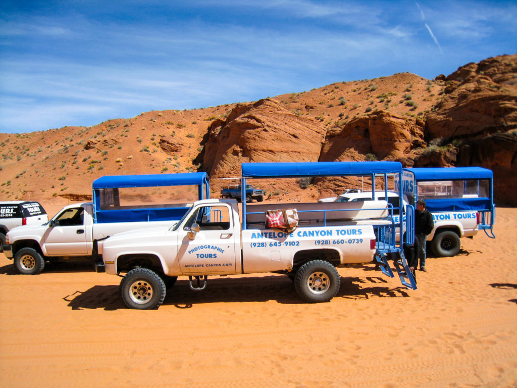 Upper Antelope Canyon - Vehicles